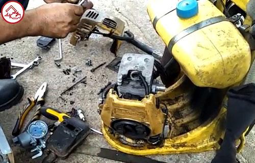Cara Bongkar Mesin Potong Rumput Gendong Termudah